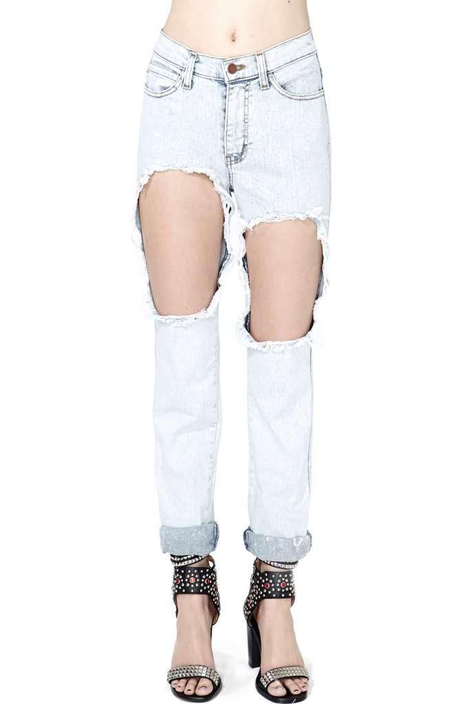 Hole in One Boyfriend Jeans | Shop Denim at Nasty Gal