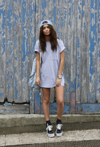 shirt shoes bag white black dress shorts top hat watch backpack blue cap crewneck gray socks