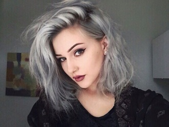 hair accessory grey color make-up lipstick