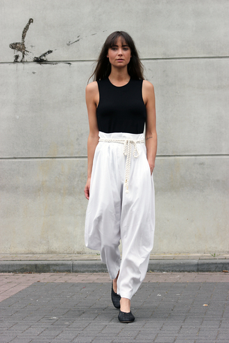 pants black top tumblr white pants high waisted pants shoes flats top sleeveless sleeveless top