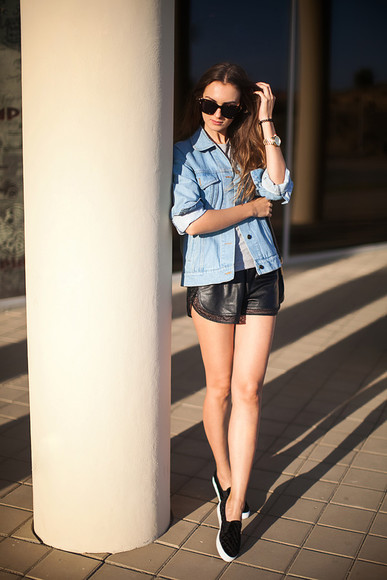 sunglasses t-shirt blogger jacket fashion agony