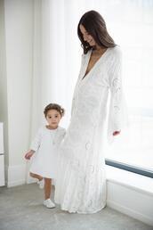 something navy,blogger,dress,white dress,maternity dress,mother and child