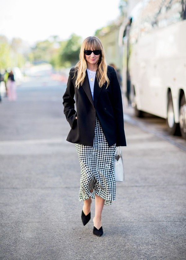 jacket blazer black blazer top skirt shoesp black shoes sunglasses