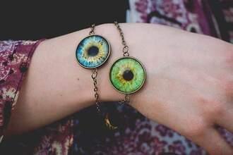 jewels eyes bracelets grunge soft grune blue blue eyes green green eyes tumblr girl summet girly pale pure cyte kawaii cute lovely horror scary weird