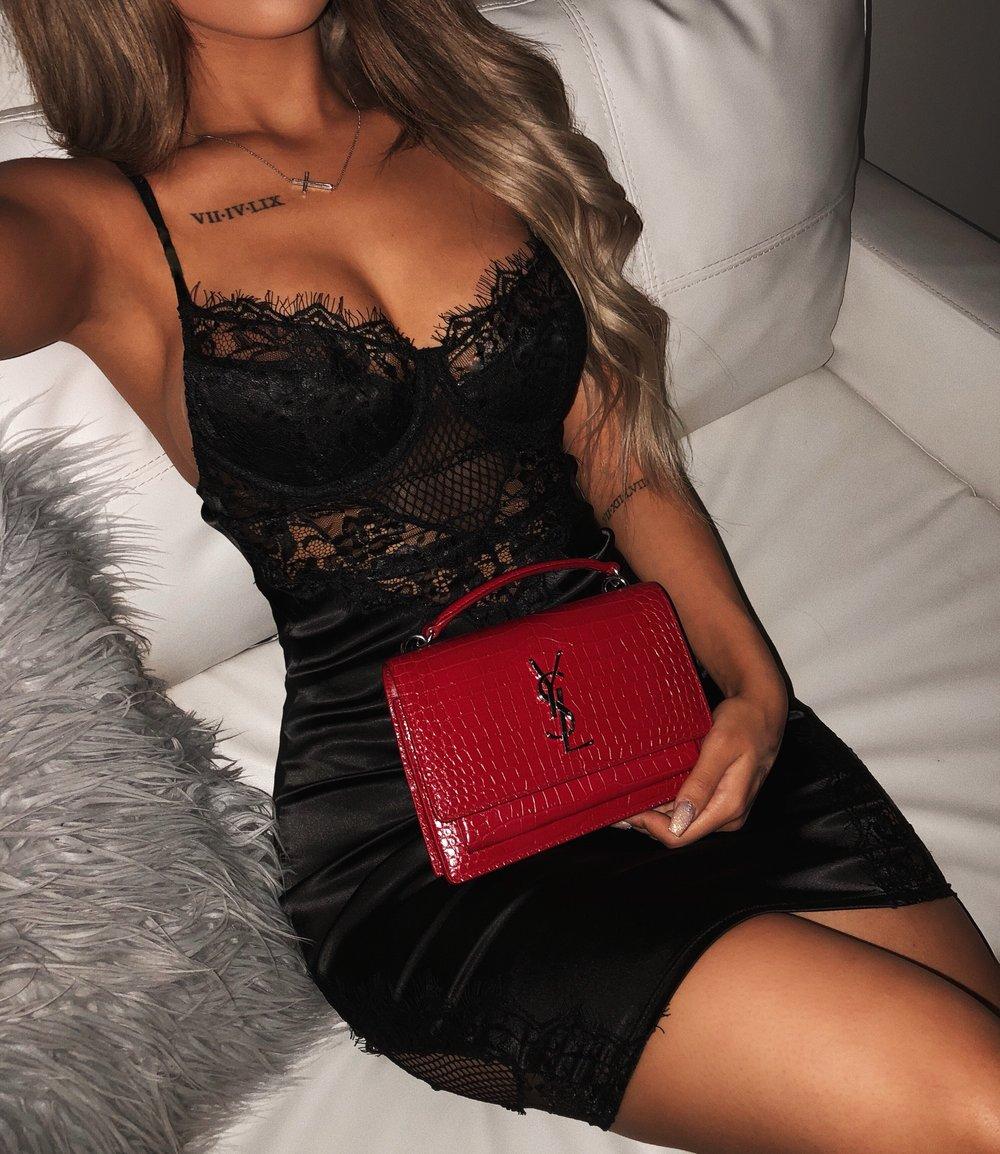 Alexa Lace Dress(Black)