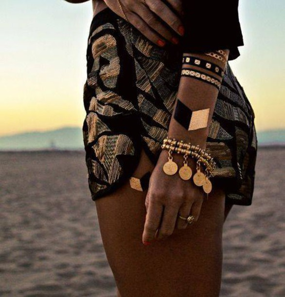 Shorts gold print pattern accessories jewelry black for Black gold tattoo