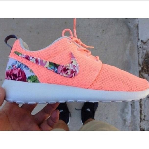 Unique Nike Roshe Run  Women39s  Running  Shoes  BlackWhiteVolt
