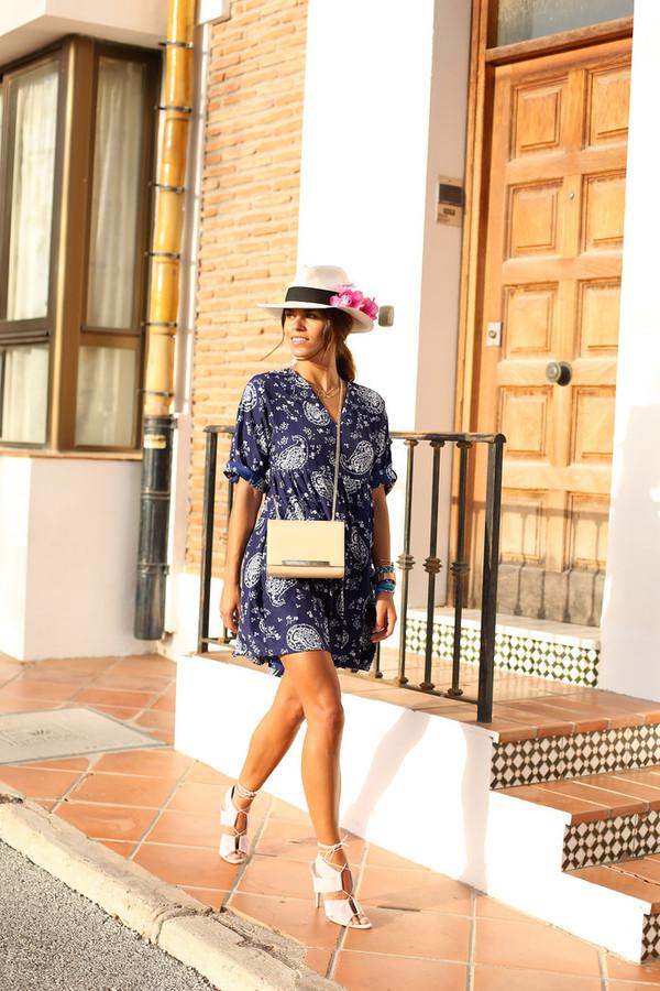 seams for a desire shoes bag jewels dress hat