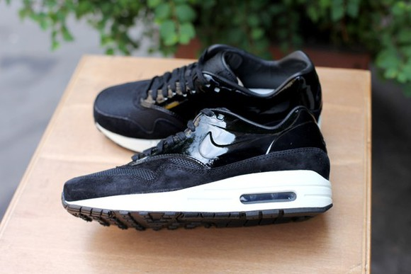 shoes air max nike black nike air max 1