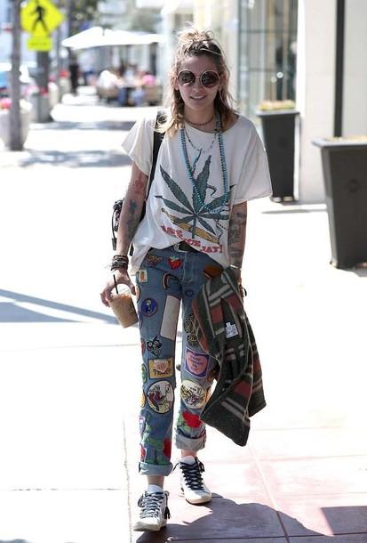 jeans jeans marijuana t-shirt patched denim patched jeans paris jackson streetstyle marijuana t-shirt pants