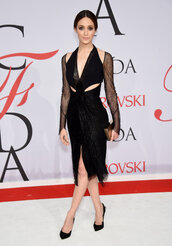 dress,cfda 2015,black dress,all black everything,emmy rossum,prom dress,cut-out,pumps,shoes