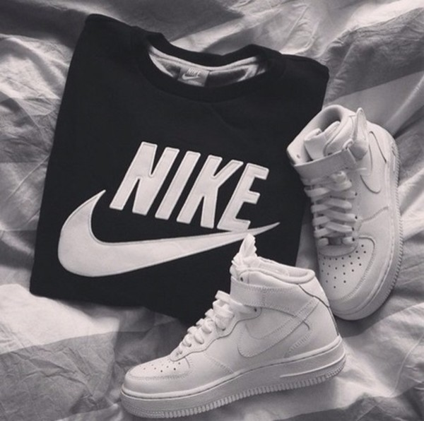 sweater clothes nike crewneck black and white black whitw white nike crewneck guys i love boys