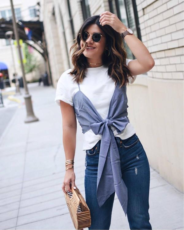 top sunglasees tumblr white t-shirt t-shirt denim jeans blue jeans bag basket bag accessories Accessory jewels jewelry bracelets gold bracelet necklace gold necklace sunglasses