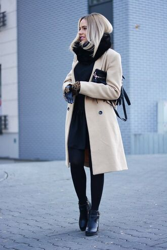 coat fur scarf black dress brown button coat black tights heel boots blogger