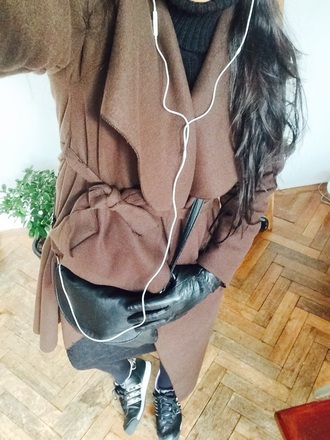 coat brown coat waterfall coat wool coat classy coat sneakers orchid small bag knitwear black bag