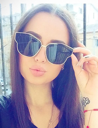 sunglasses round sunglasses mirrored sunglasses aviator sunglasses pink sunglasses heart sunglasses retro sunglasses black sunglasses white sunglasses blue sunglasses summer summer dress summer outfits summer accessories summer beauty summer holidays summer sports