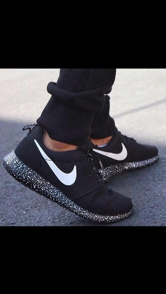 shoes nike black and white sneakers