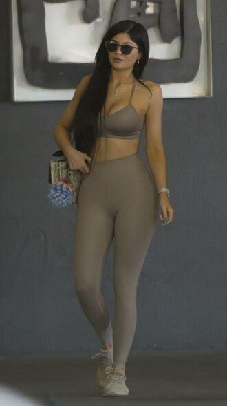 leggings top crop tops kylie jenner kardashians