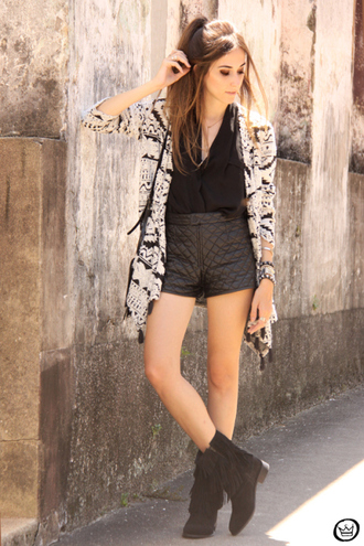 fashion coolture blogger black shorts leather shorts quilted cardigan fringe shoes