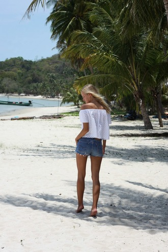 jolie janine blogger ripped shorts off the shoulder top beach