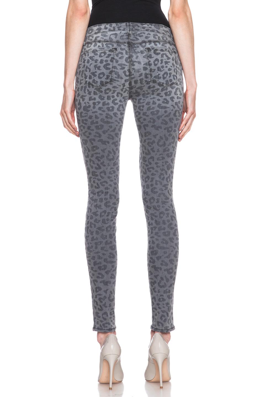 J Brand|Mid Rise Super Skinny Jean in Onyx Leopard