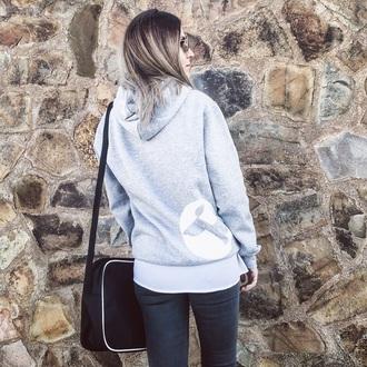 sweater peppu sweatshirt grey grey jeans grey hoodie hoodie dog print greyhair casual casual women casual outifits cute casual streetstyle streetwear streetwear fashion streetystyle instagram   blogger