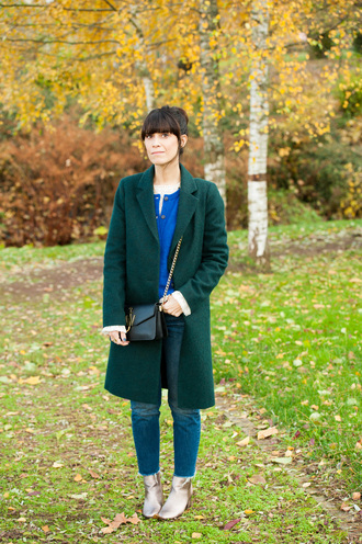 punky b blogger cardigan top shoes green coat fall outfits bag crossbody bag ankle boots jeans
