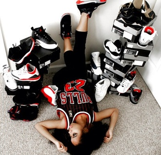 shoes sneakers chicago bulls jersey tank top jordans white jordan's