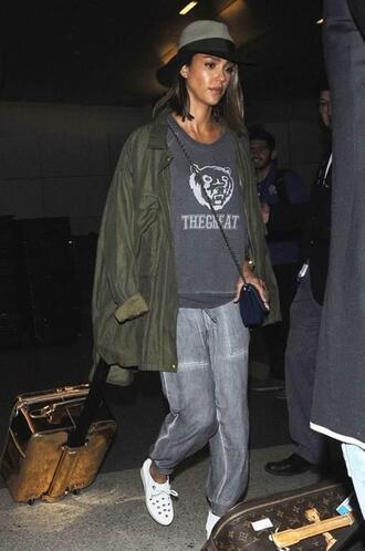 pants sweater jessica alba hat