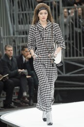 jumpsuit,fall outfits,gigi hadid,runway,model,chanel,Paris Fashion Week 2017,fashion week 2017