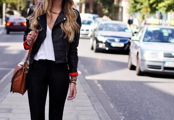 bag leather jacket gold chain leather bag black skinny jeans jacket black biker jacket style fashonista girl on the street