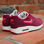 shoes,nike,nike sneakers,burgundy,for women,air max,red,nike max air