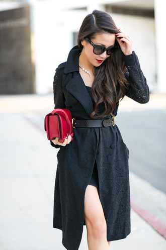 wendy's lookbook blogger waist belt black coat red bag