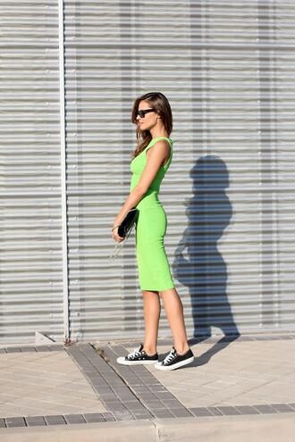 lady addict blogger dress shoes sunglasses bag jewels
