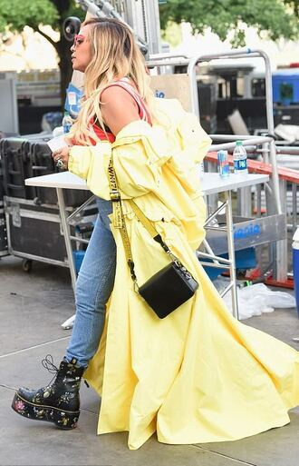shoes boots yellow yellow coat top beyonce streetstyle