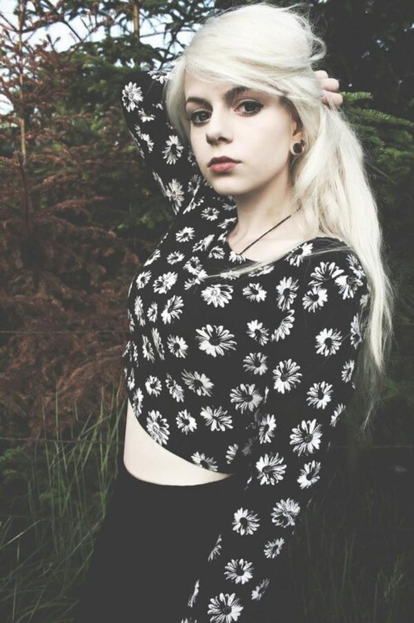 black floral crop tops cute daisy shirt