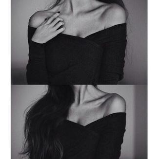 t-shirt top low v neck v neck collarbones fit fresh