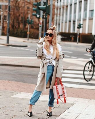 coat trench coat denim jeans bag shoes top white top black shoes sunglasses