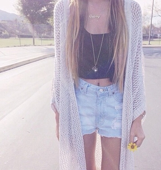 cardigan white cardigan summer outfits black tank top spring oversized cardigan hippie gipsy necklace ripped shorts long hair straight hair blonde hair black singlet black tant top large cardigan long necklace spring outfits