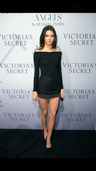 skirt kendall jenner black leather fashion celebrity hot winter outfits summer style white studs shoes