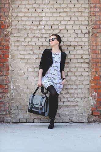 kapuczina blogger satchel bag grey dress black jacket