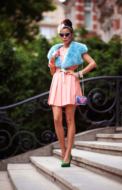 macademian girl dress t-shirt shoes jewels Belt bag sunglasses