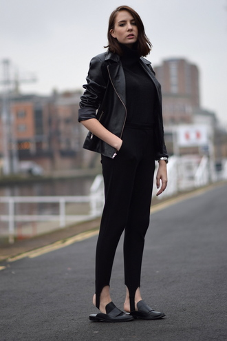 shot from the street blogger casual slippers leather jacket