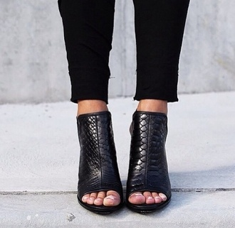 shoes black faux crocodile skin leather crocodile peep toe peep toe heels boots black boots high heels peep toe boots