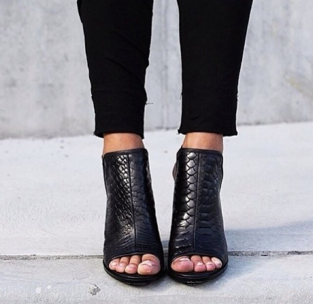 shoes faux crocodile skin black high heels black