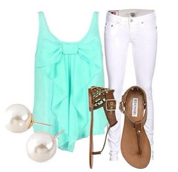 shoes tank top sandals whitepants blue tanktop pearlearrings