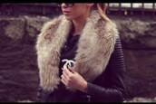 jacket,black,leather,fur,winter outfits,fashion,class,leather jacket,fur vest,fur coat