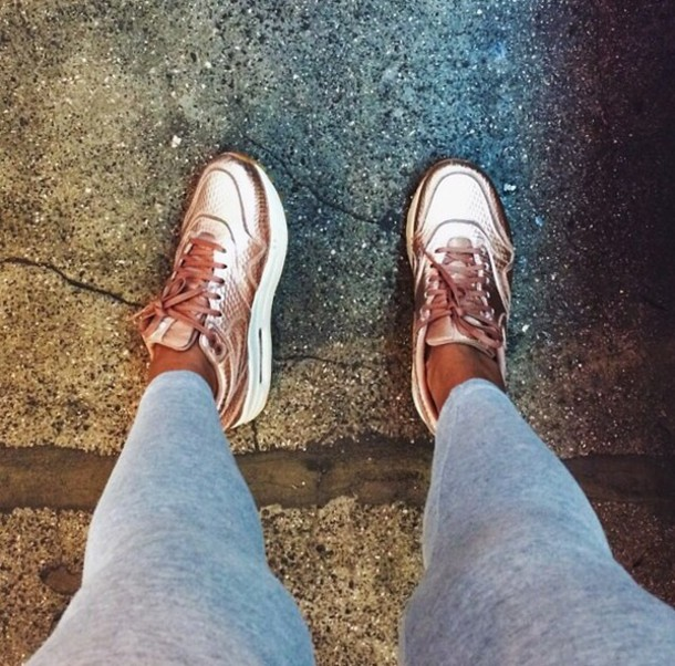 shoes rose gold nike air
