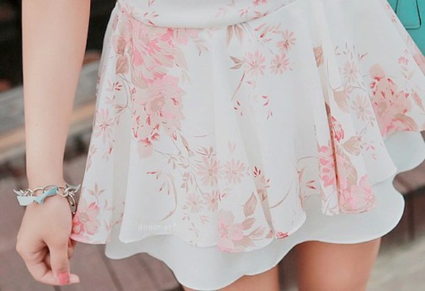 skirt white pink ros? floral pretty cute i want this fuckin skirt
