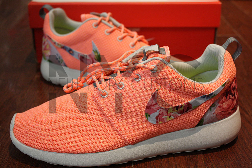 827f71128ef1 VERY RARE! - Nike Roshe Run Coral Pink Rose Finish Floral Print ...